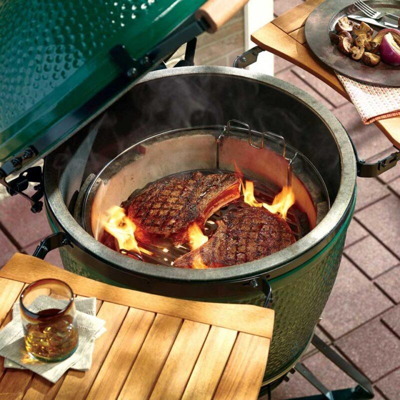 Runder Kugelgrill BigGreenEgg für perfekten Grillgenuss den man schmeckt.