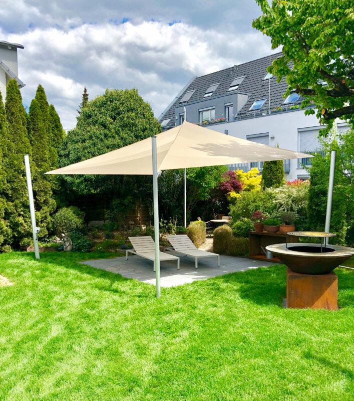 Sonnensegel von hoher Qualität als Sonnenschutz im Garten.