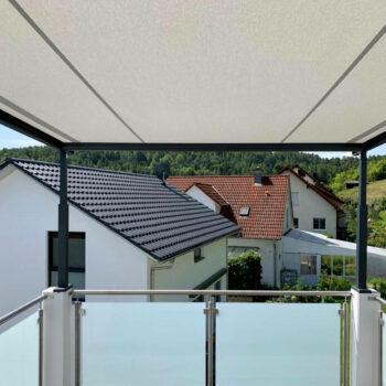 Hochwertige Pergolamarkise zum Schutz Ihres Balkons.