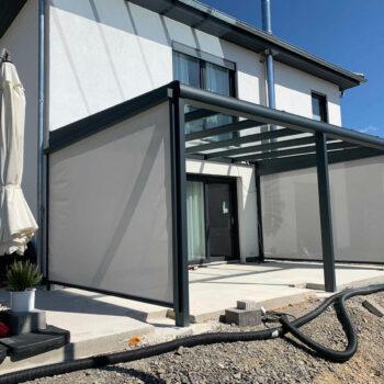 Modernes Terrassendach mit perfekter Anpassung an das Eigenheim.