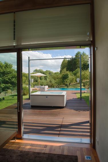 Auf der eigenen Terrasse im Whirlpool entspannen - wir ermöglichen es Ihnen.