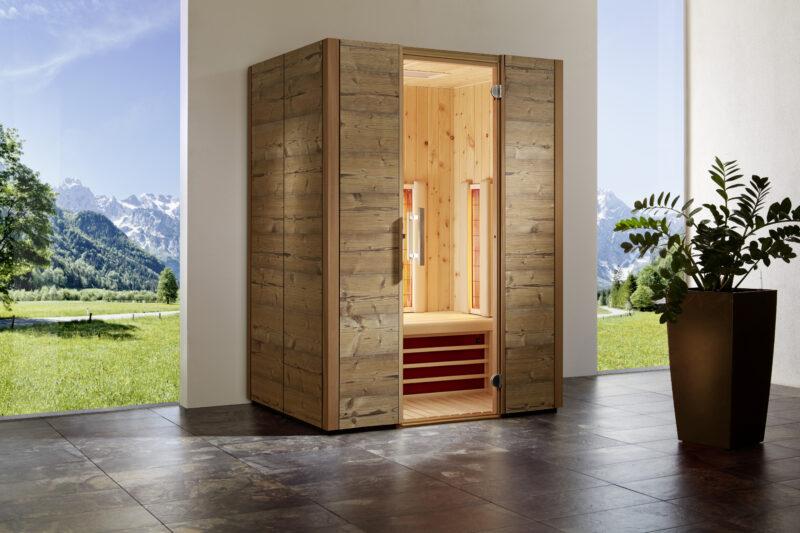 Schöne Infrarotkabine aus Zirbenholz für eine entspannte Auszeit.