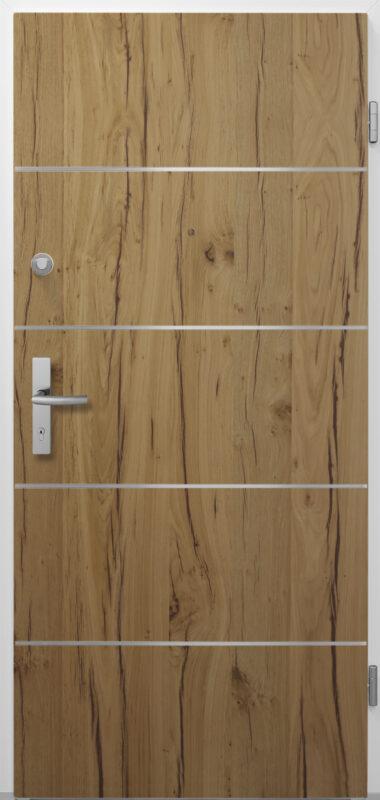 Schöne Wohnungseingangstür aus Holz mit silbernen Linien als Detail.