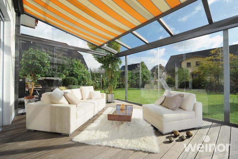 Der Weinor Sommergarten als perfekter Schutz bei Wind und Wetter.